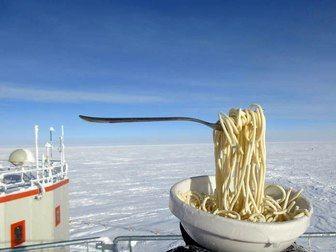 یخ زدن غذای داغ در قطب جنوب