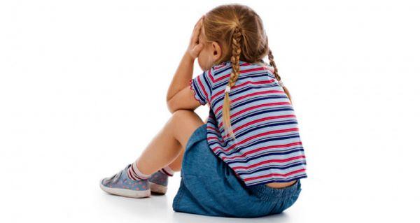 علل قهر کودکان چیست / راه های برخورد با کودک هنگام قهر کردن