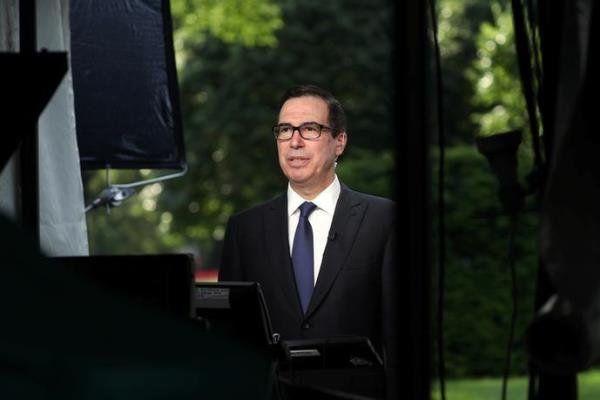 وزیر خزانه داری آمریکا:هر کشوری از ایران نفت بخرد تحریم میشود