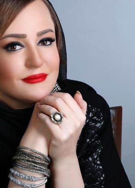 تیپ زدن نعیمه نظام دوست در شیراز