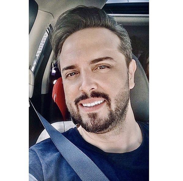 مجری خوش تیپتلویزیون در ماشینش + عکس