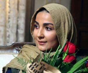 بازگشت سارا صوفیانی به تلویزیون با روزهای بیقراری 2 + عکس