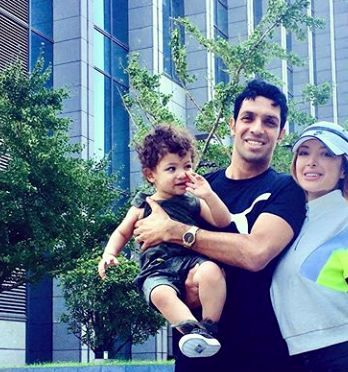 تیپ اسپورت سپهر حیدری و زنش در خارج از کشور+عکس