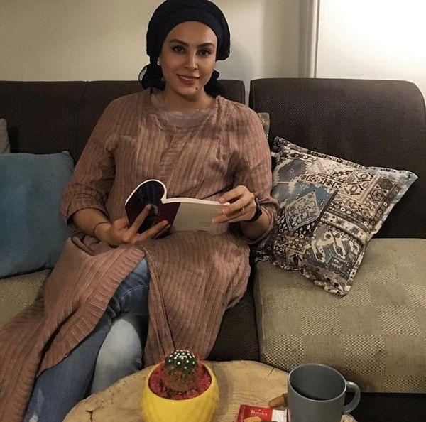 حدیثه تهرانی در خانه اش + عکس