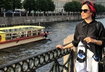 لباس خاص خاطره اسدی لب آب در خارج+عکس