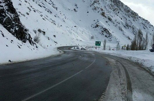 بارش باران و برف در جادههای کشور