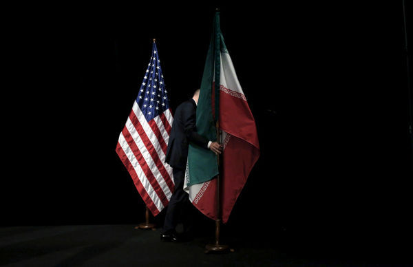 سیگنال های دو جانبه تهران و واشنگتن برای کاهش تنش ها