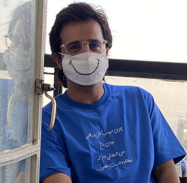 ماسک حسین سلیمانی با طرح لبخند + عکس