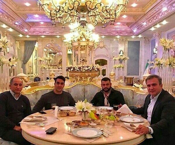 ضیافت شام مجلل پوریا پورسرخ و دوستانش + عکس