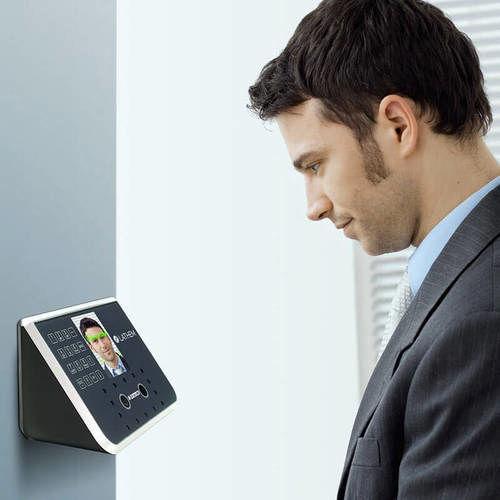 تولید اولین دستگاه حضور و غیاب تشخیص چهره در کشور
