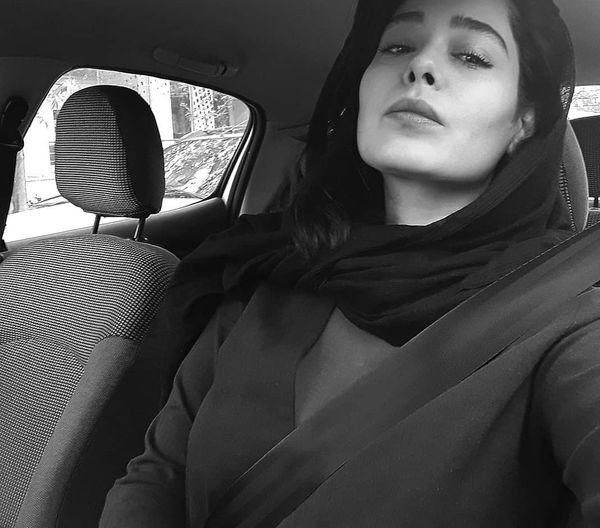 حافظ خوانی سانیا سالاری در ماشینش