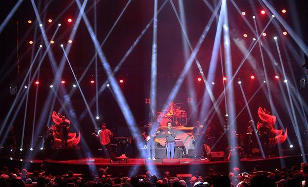 """جدیدترین کنسرت استانی گروه موسیقی """"ماکان بند """""""