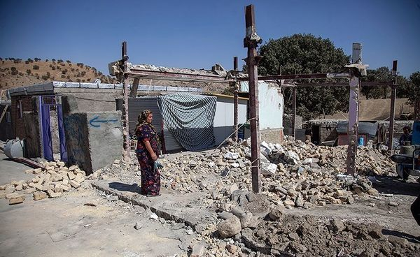 استقرار تیمهای مددکاری و اورژانس اجتماعی در مناطق زلزله زده کرمانشاه