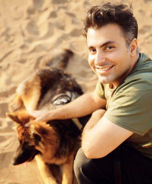 علیرضا طلیسچی و سگش در دل کویر + عکس