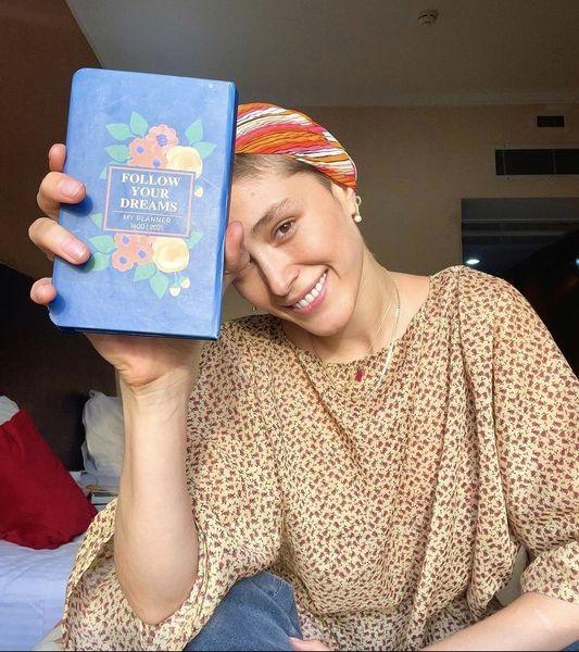 دفترچه رنگی فرشته حسینی + عکس