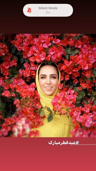 بازیگر تازه عروس غرق در گل ها + عکس