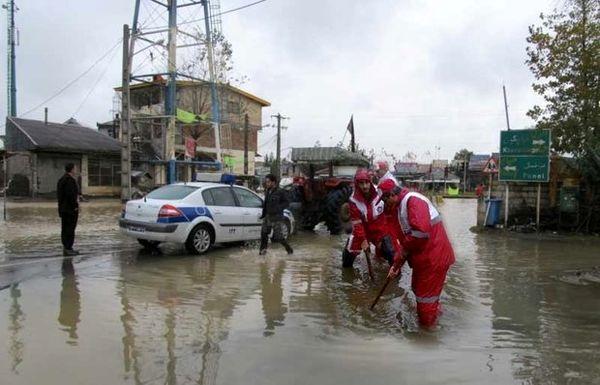 امدادرسانی هلال احمر به ۸۷ نفر در ۵ استان متأثر از سیل و آبگرفتگی