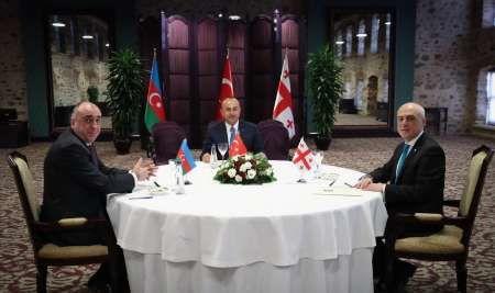 نشست وزرای خارجه ترکیه ،آذربایجان و گرجستان برگزار شد