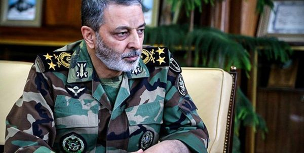 بازدید فرمانده کل ارتش از پایگاه هوایی شهید عبدالکریمی بندرعباس