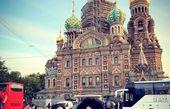 عکس خواهران شبه دوقلو بازیگر در کاخ رنگارنگ روسیه+عکس