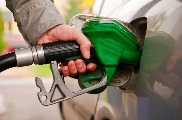 پیشنهاد کمیته اقتصاد مقاومتی مجلس به دولت درباره تخصیص عادلانه سهمیه بنزین