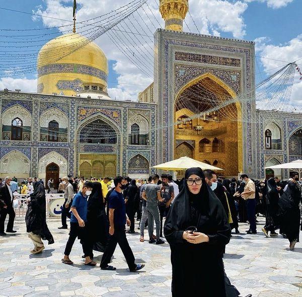 پوشش متفاوت زهره فکور در مشهد + عکس