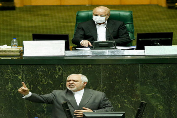 انتقاد یک فعال اصولگرا از حمله به ظریف در مجلس