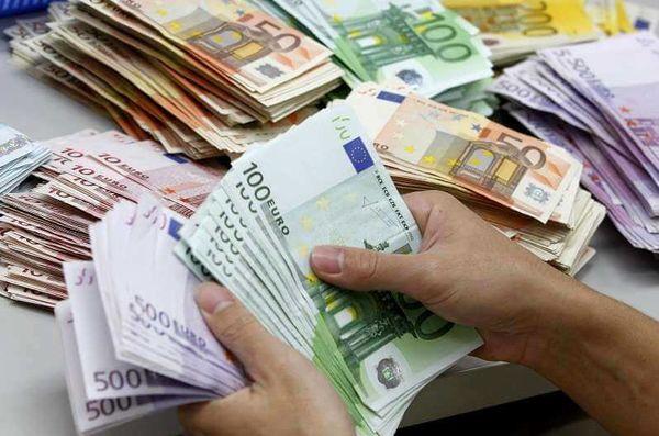 قیمت دلار و قیمت سکه (شنبه ۲۰ مرداد ۹۷) / آیا مدار افزایشی دلار ادامه پیدا میکند؟