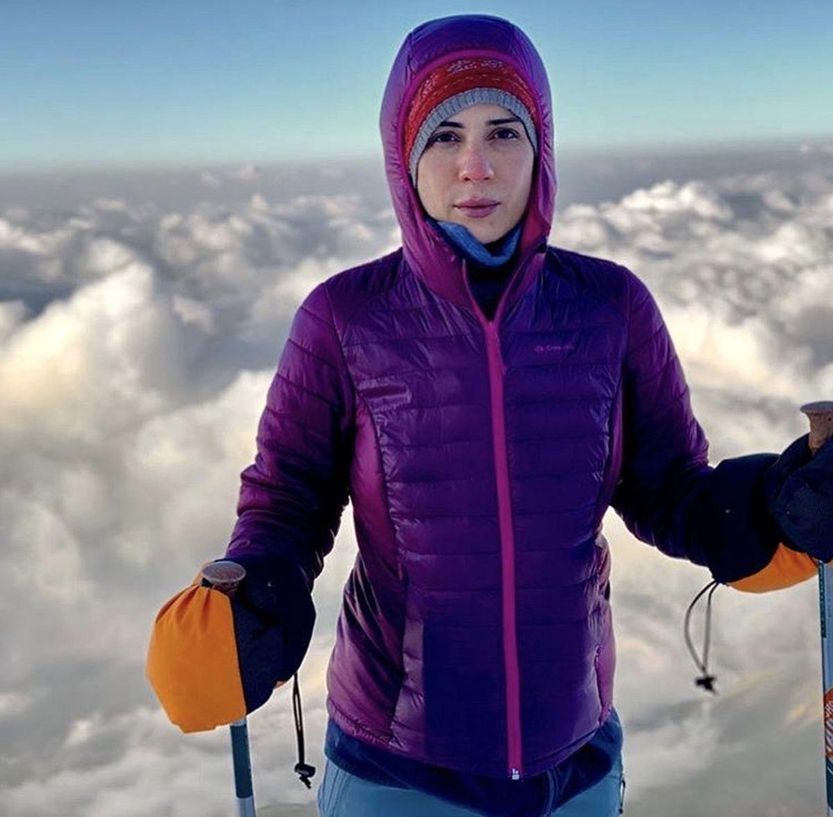 صعود سارا بهرامی به قله کوه + عکس