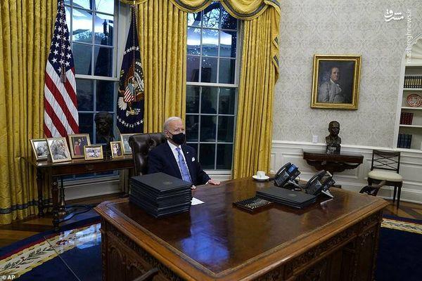 بایدن در اتاق ریاست جمهوری آمریکا+ تصاویر