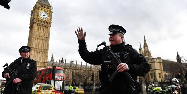 مسدود شدن خیابانهای اطراف پارلمان انگلیس