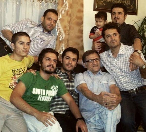 عباس غزالی در جمع خانواده + عکس