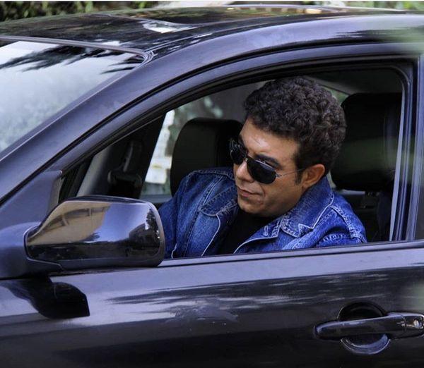 حسن شکوهی در ماشینش + عکس