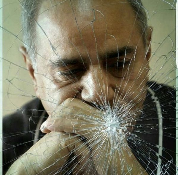شیشیه شکسته پرویز پرستویی + عکس