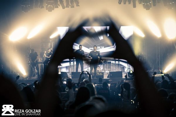 عشق طرفداران گلزار به او در کنسرتش + عکس