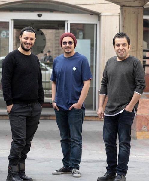 جواد عزتی در کنار دوستانش + عکس