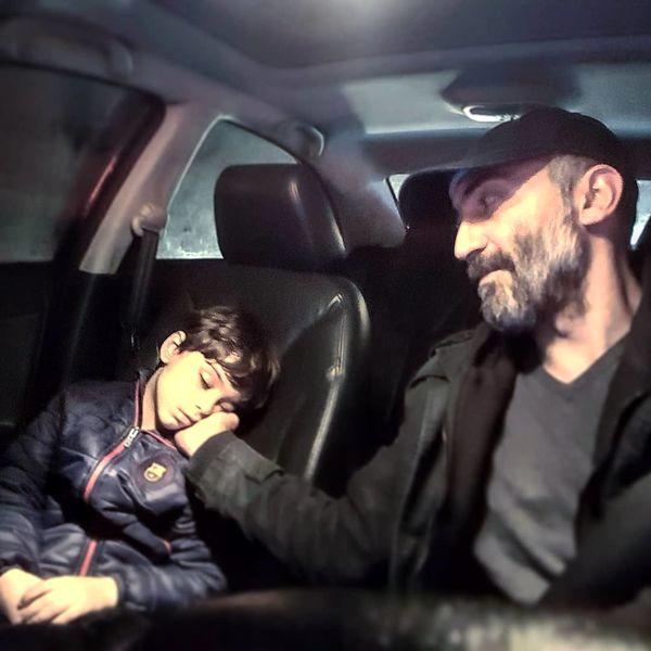 هادی حجازی فر و پسرش در ماشین + عکس