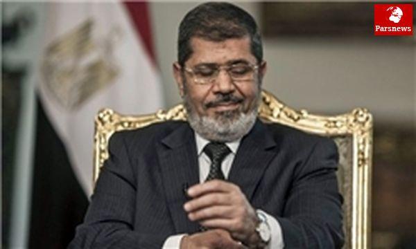 """"""" مرسی"""" دست به اعتصاب غذا زد"""
