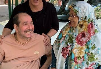 ملاقات عمو پورنگ و مادرش از جانبازان+عکس
