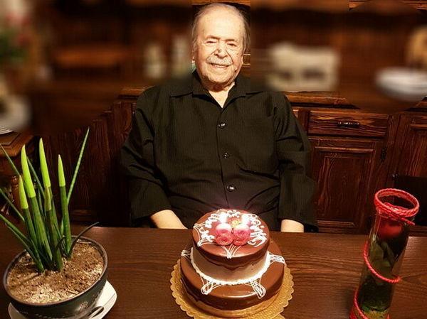 احساس پدرسالار تلویزیون در سالروز تولد 89 سالگیاش