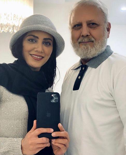 مونا فرجاد در کنار پدرش + عکس