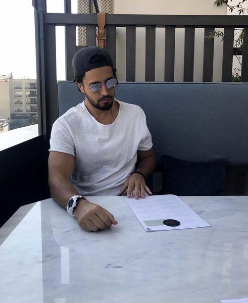 مهرداد صدیقیان با تیپ اسپرت در یک رستوران + عکس