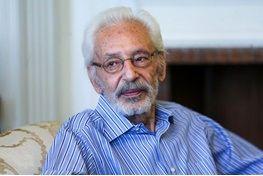 انتقاد تند پسر جمشید مشایخی از نشر اخبار جعلی در مورد حال پدرش