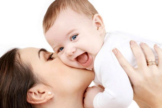 10 ماده غذایی برای افزایش شیر مادر