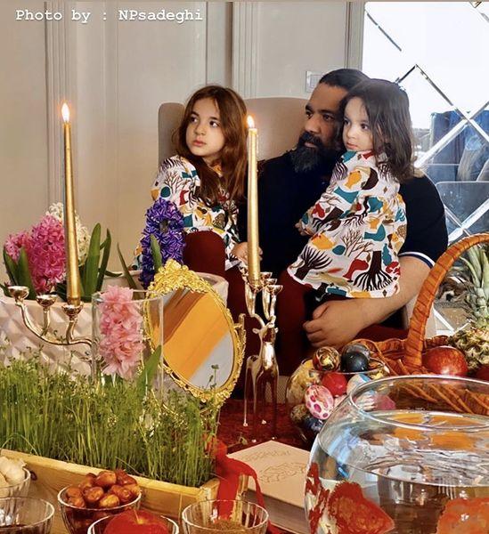 رضا صادقی و دخترانش سر سفره هفت سین + عکس