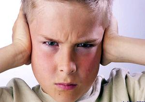 بداخلاقی و عصبانیت کودکان ریشه در چه دارد و چطور میتوان آن را کنترل کرد؟