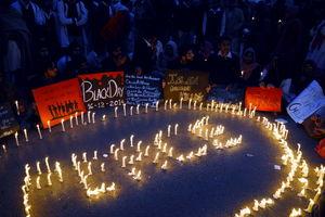 یادبود قربانیان حمله طالبان به مدرسه ای در پیشاور