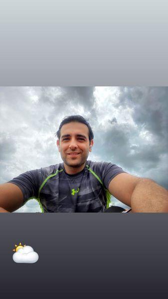 امیرحسین آرمان زیر آسمانی ابری + عکس
