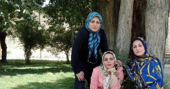 دورهمی دو گوینده خبر با خواهرشان/عکس