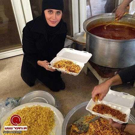 کمک الناز شاکردوست در هیئت امام حسین(ع)+عکس